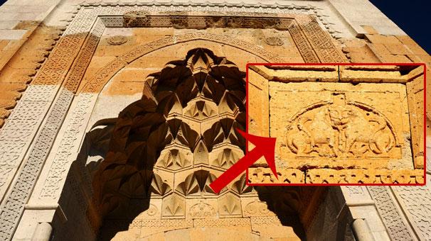 Aksarayda 800 Yıllık Kervansaraydaki Esrarengiz Sembol !!!